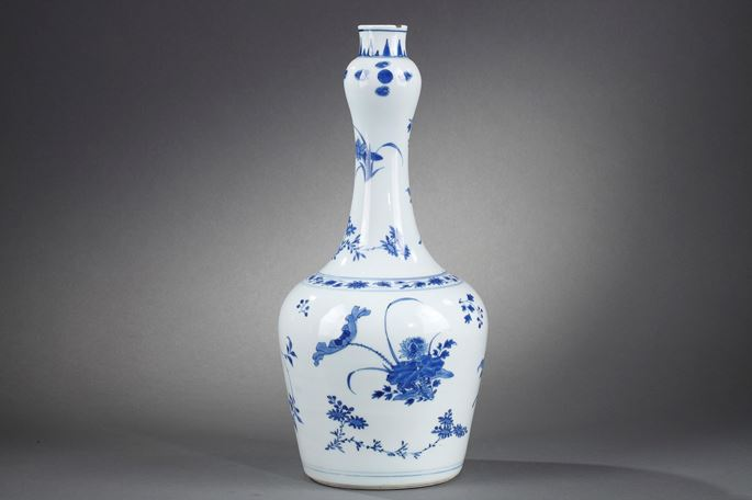 Large bottle porcelain blue and white painting with numerous flowers | MasterArt