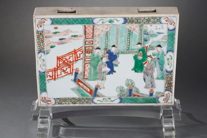 """Plaque """"Famille verte"""" porcelain decorated on a side with figures in a pavillon and other side with flowers and birds 