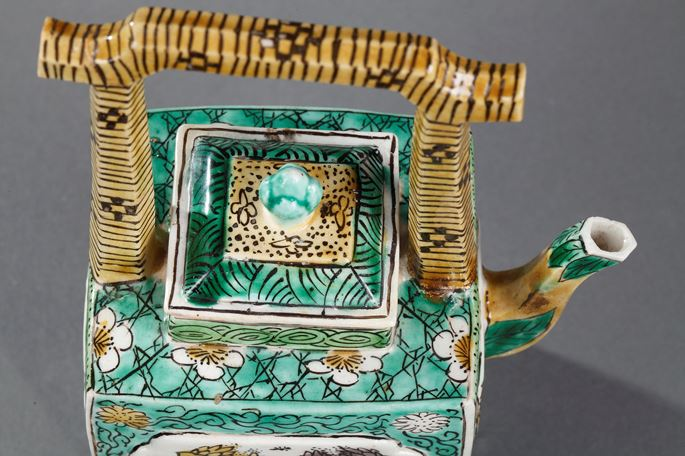 """Wine pot biscuit """"Famille Verte"""" decorated with flowers  and anse imitating the wicker 