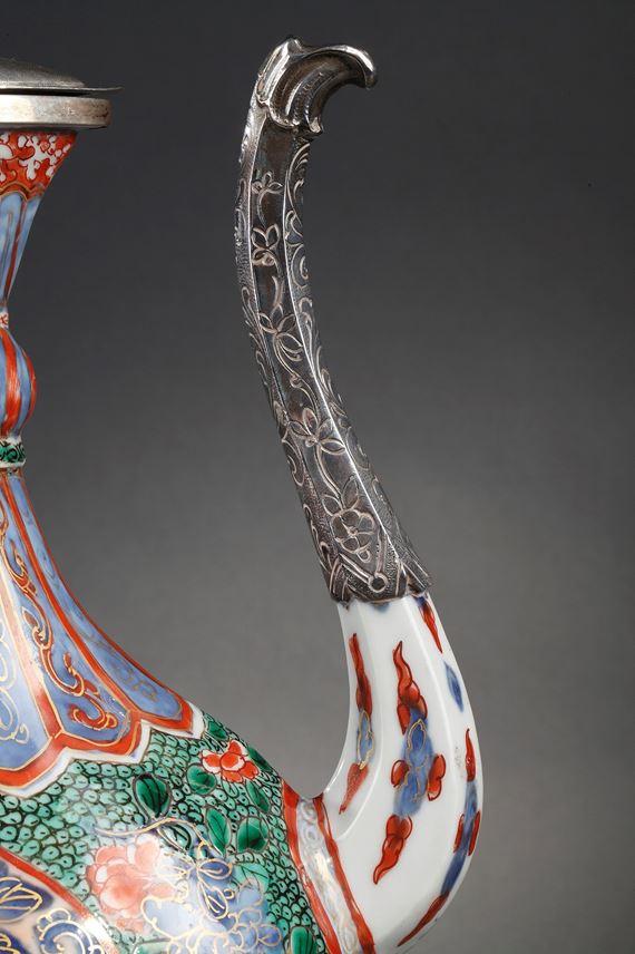 "Ewer of Oriental shape ""Famille verte"" porcelain | MasterArt"
