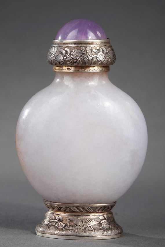 Rare snuff bottle jadeite lavender color with brown spot. Maquet Paris silver mount (1930) | MasterArt