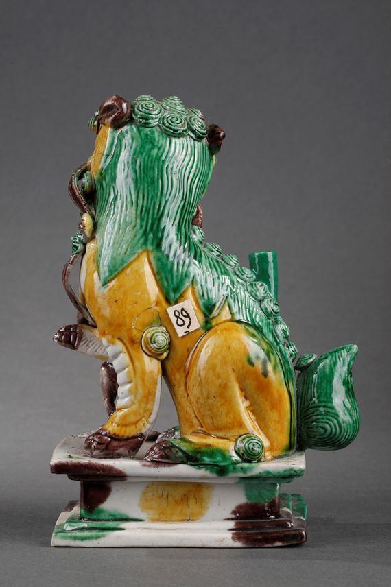 Fo dog  famille verte biscuit  Incense stick holder | MasterArt