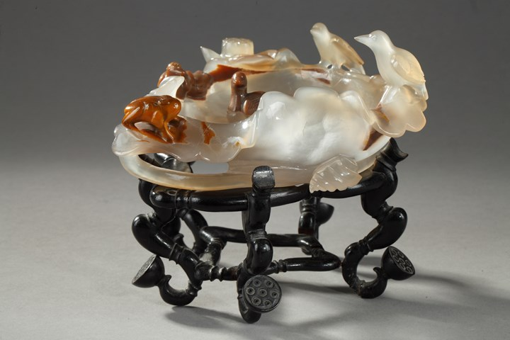 Agate brushwasher sculpted on a lotus leaf  with ducks and birds and frog