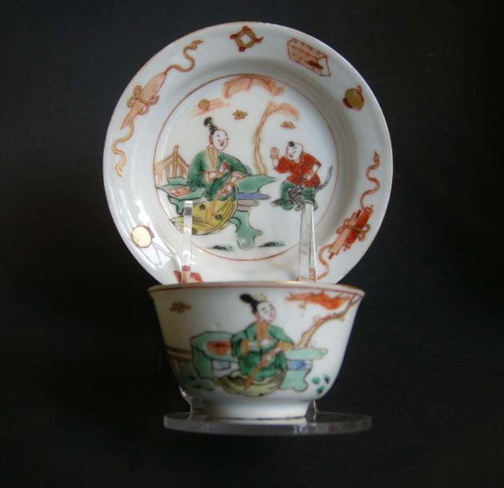 "Cup and saucer ""famille verte"" porcelain"