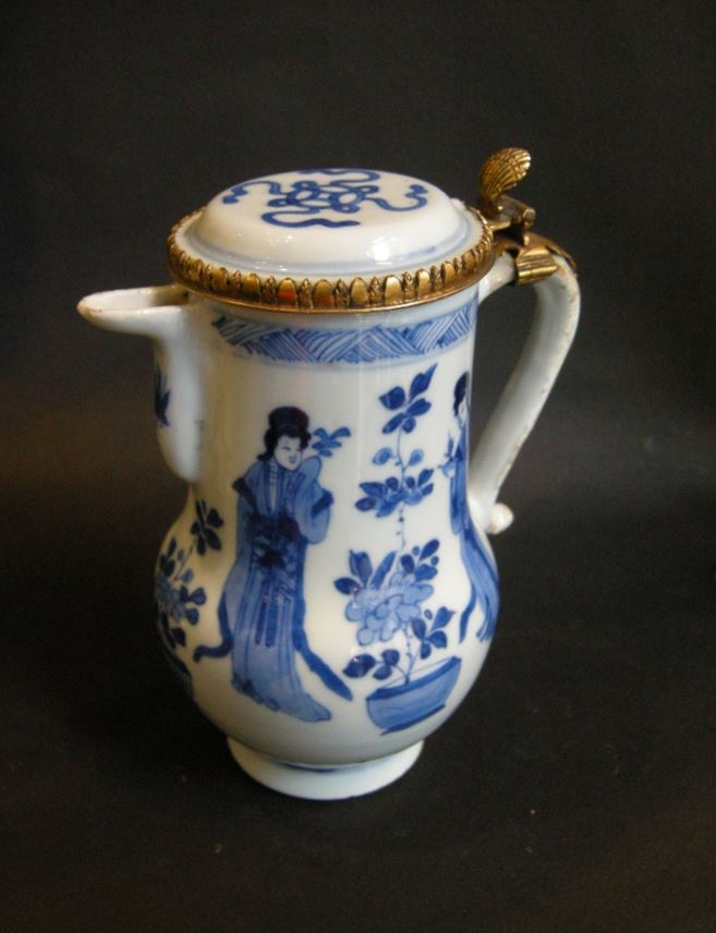 Ewer and cover decorated in underglaze blue - Kangxi period | MasterArt
