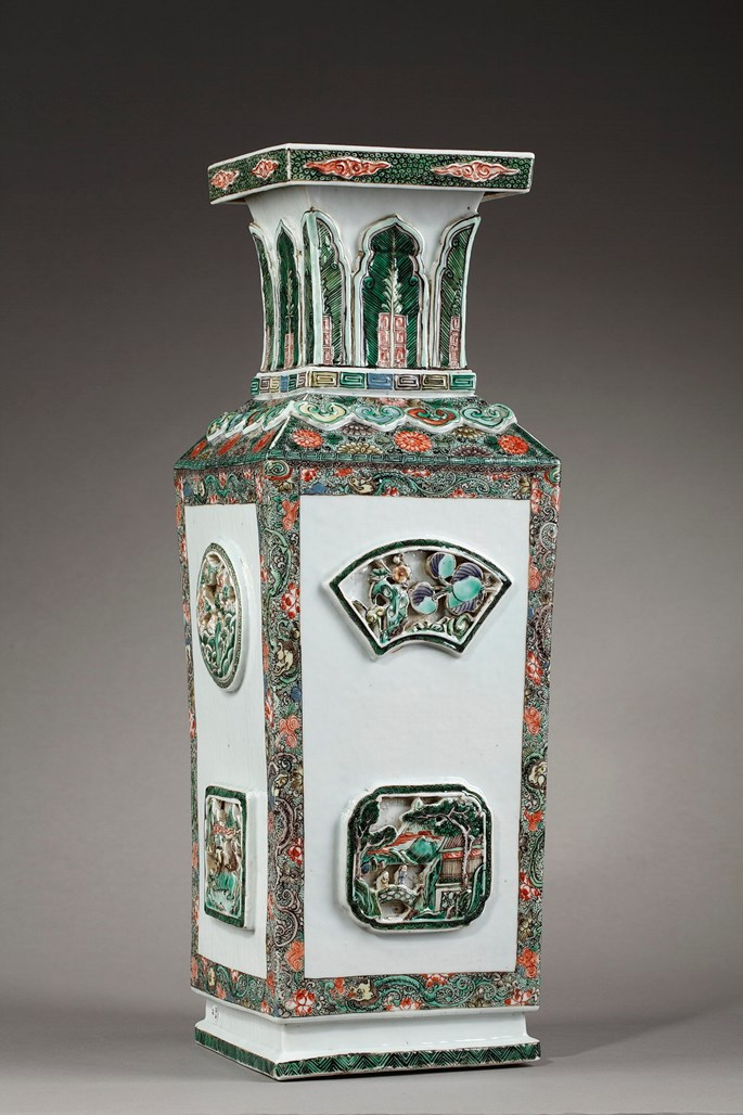 "Large vase "" Famille verte"" porcelain  with reticulated panels - Late Kangxi 