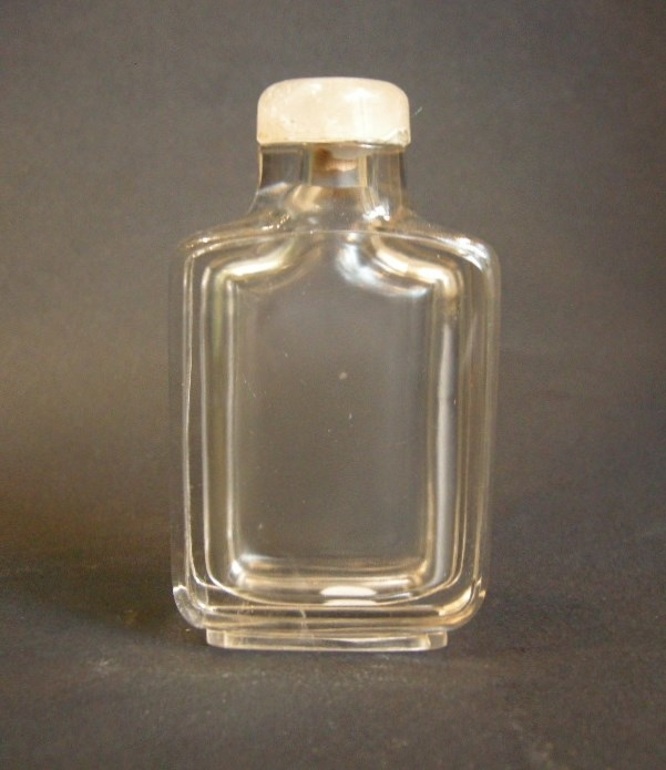 Pure rock Crystal snuff bottle of rectangular shape