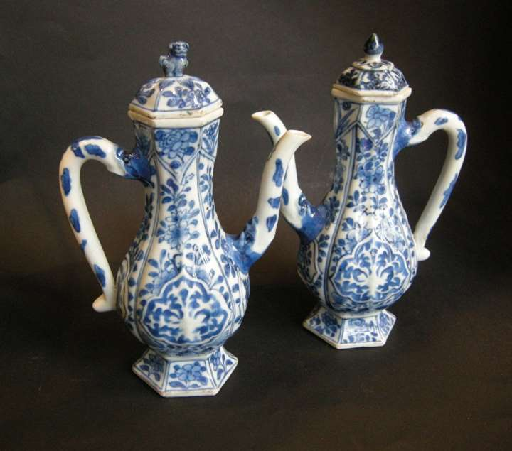 Rare pair ewers porcelain blue and white - Kangxi period