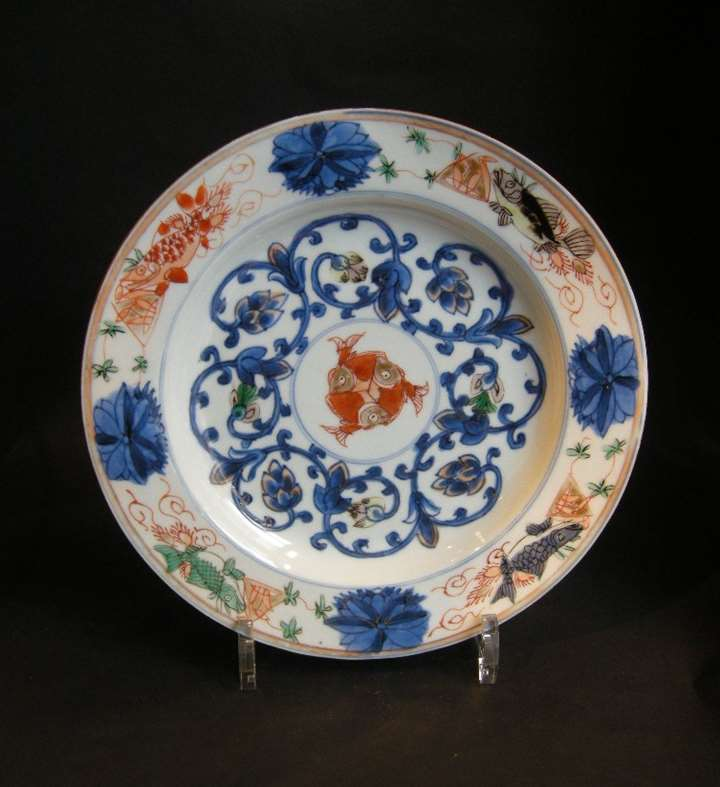 "Dish (pair) porcelain ""Famille verte"" and underglaze blue decorated with fish - Kangxi period"