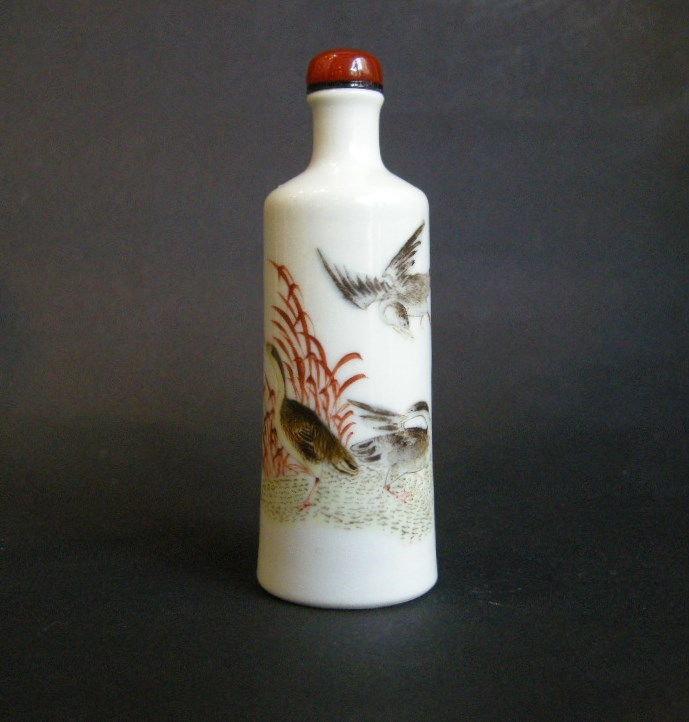Snuff bottle porcelain painted in polychromy with duck in the millet