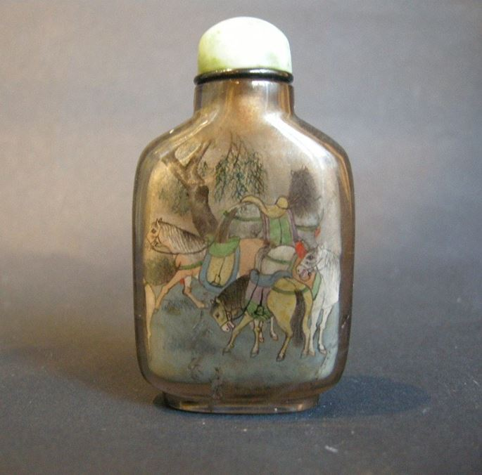 Snuff bottle Inside painted in rock Crystal smoked decorated with eight horses | MasterArt