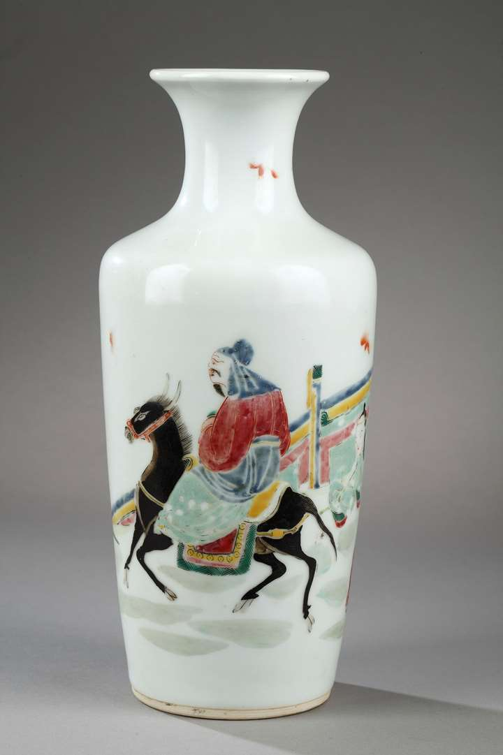 "Vase ""Famille rose"" porcelain decorated with Meng Haoran and servant"
