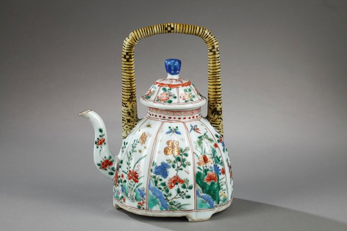 "Teapot porcelain and cover ""Famille verte"" painted with numerous flowers 