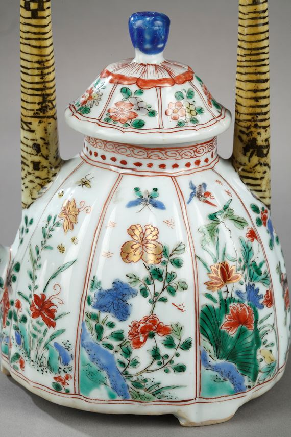 """Teapot porcelain and cover """"Famille verte"""" painted with numerous flowers   MasterArt"""