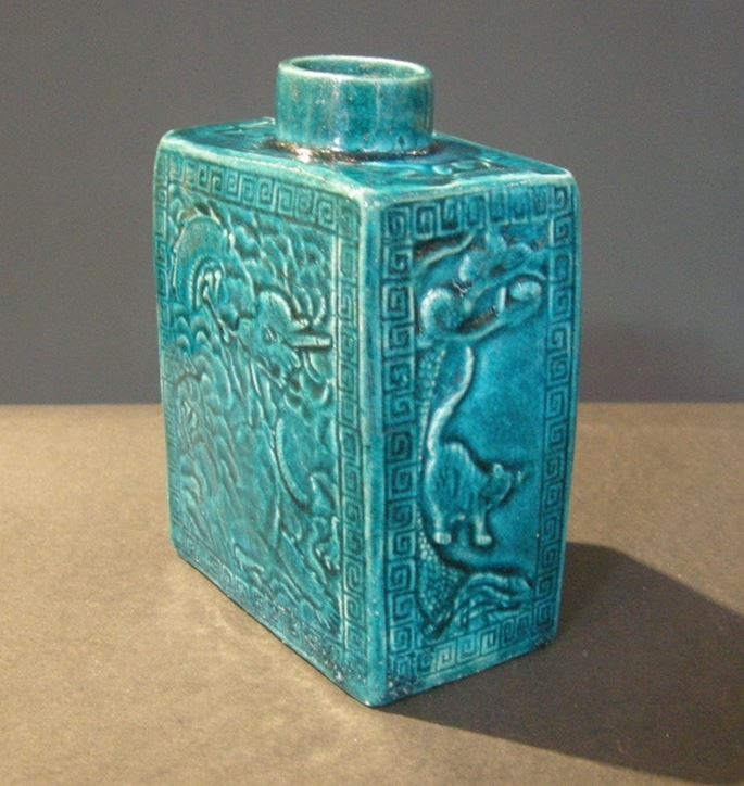 Teapot Biscuit bleu turquoise - decorated on each face with Dragon and on the side a tiger | MasterArt
