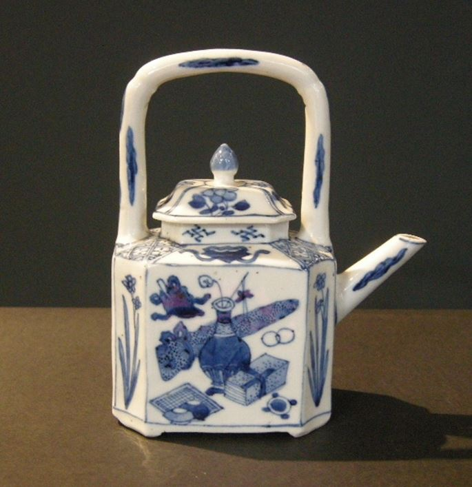 Winepot  blue and white porcelain - decorated with a landscape and other face with mobilar objects - | MasterArt