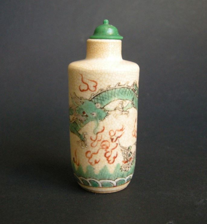 "Snuff bottle porcelain polychrom ""soft past"" decorated with dragons 