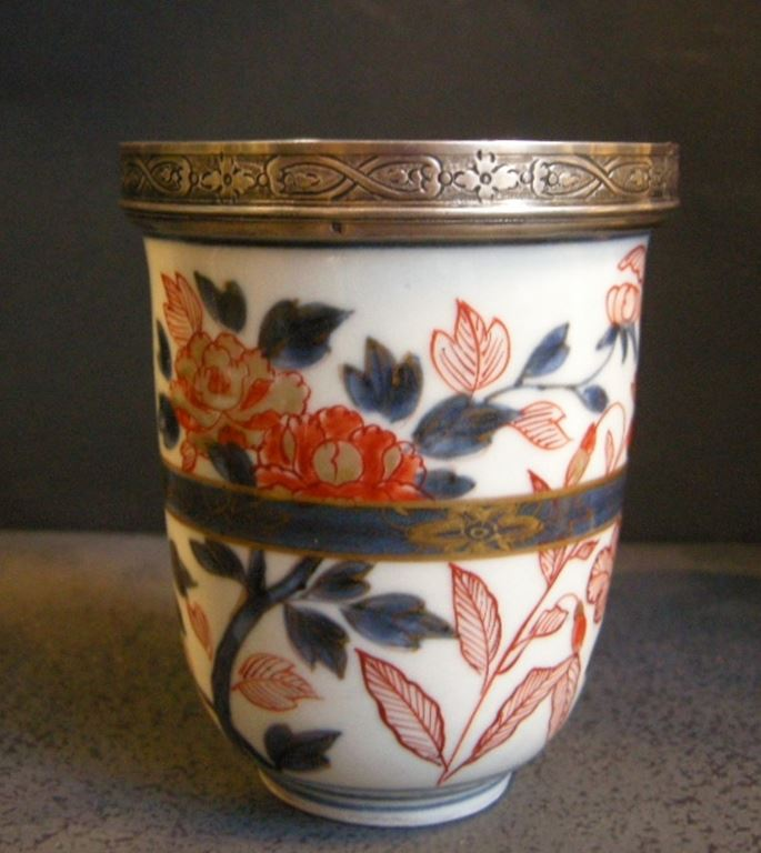 Gobelet porcelain underglaze blue iron red and gold  decor flowers   MasterArt