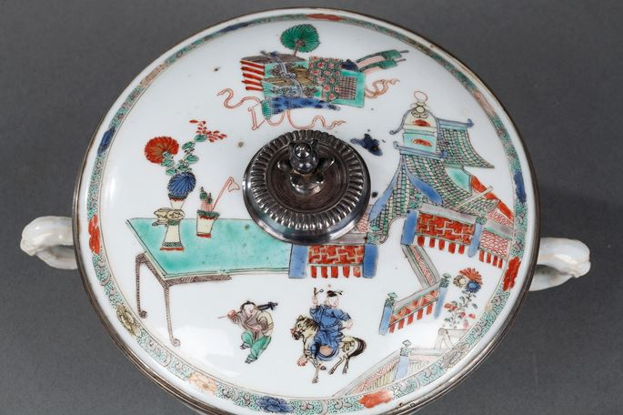 Chinese Famille verte porcelain covered bowl with handles   MasterArt