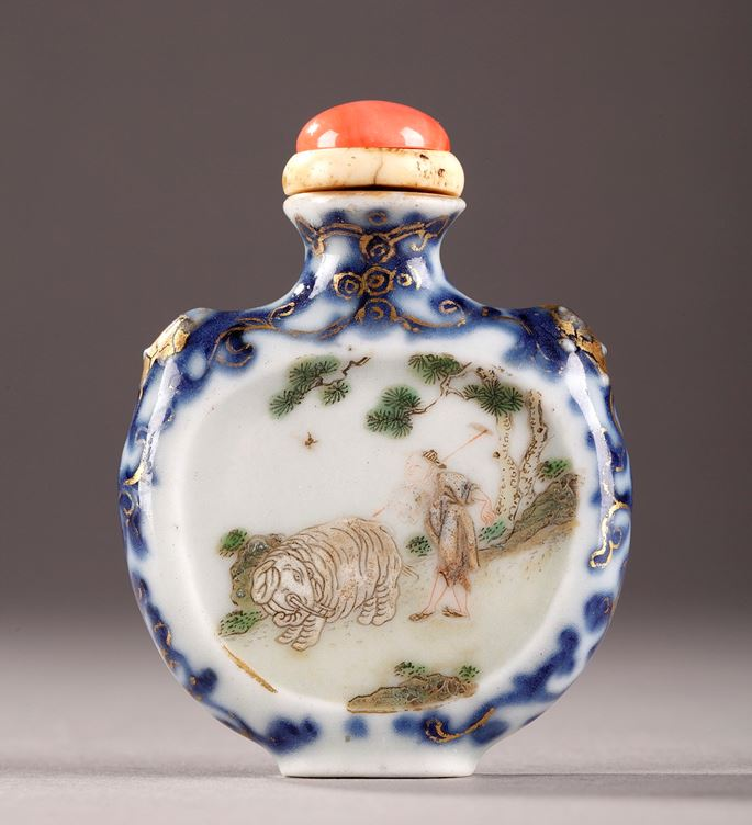 Porcelain snuff bottles - Qing period | MasterArt