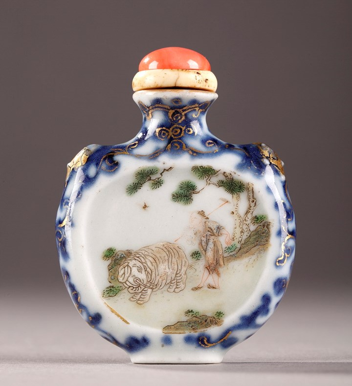Porcelain snuff bottles - Qing period