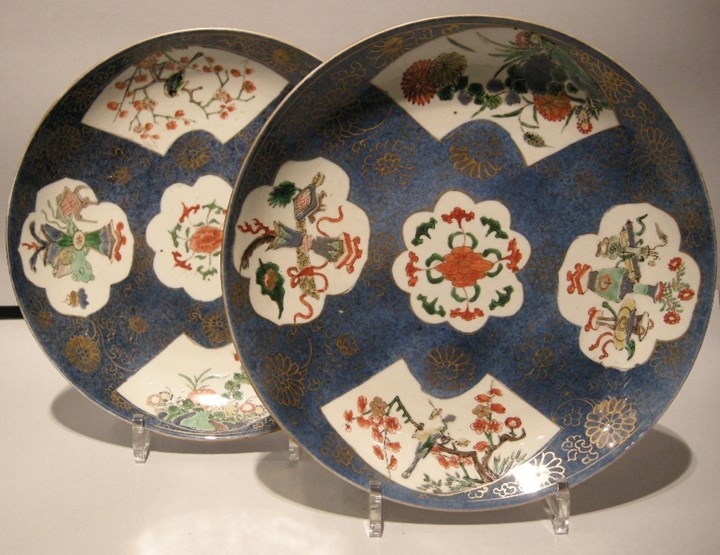 "Pair of dish decorated with ""famille verte enamel"" on ground ""bleu poudre"" - Kangxi period"