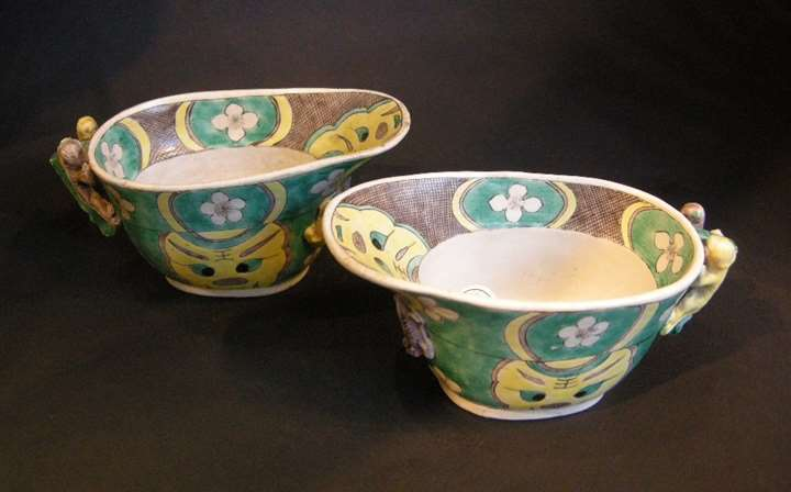 "Pair of libation cup in biscuit ""Famille verte"" - Kangxi period"