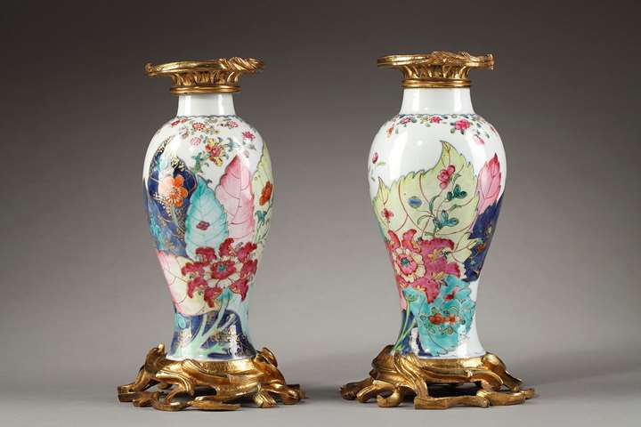 "Pair of vases ""famille rose"" porcelain decorated with Tobacco leaf -Qianlong period"