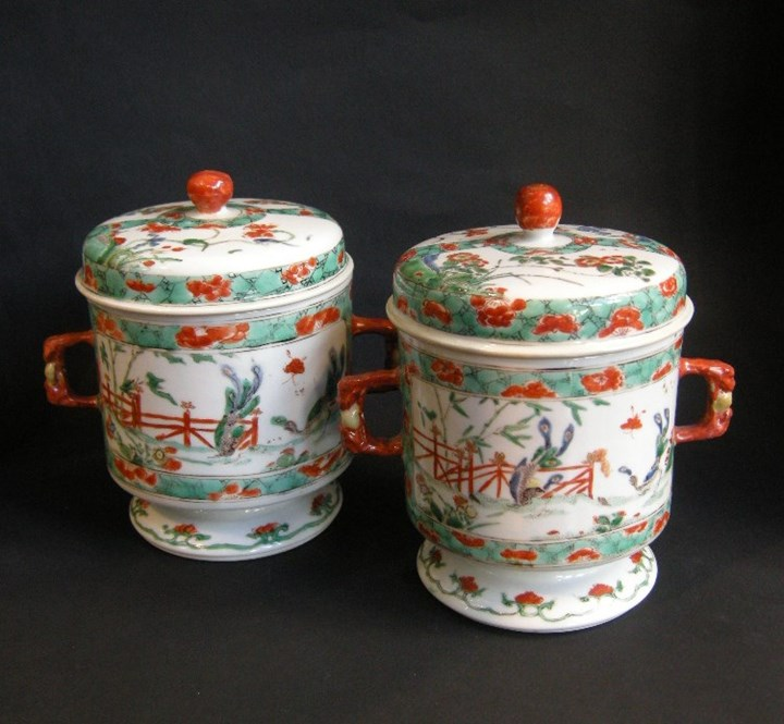 "Pair pots and covers with handles in famille verte"" porcelain-Kangxi period"