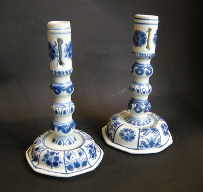 "Rare pair of candelsticks in porcelain ""blue and white"" European shape Kangxi period 