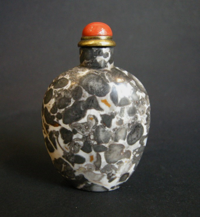 "Rare snuff bottle  fossiliferous stone ""Limestone"" with color white black and a few rust 