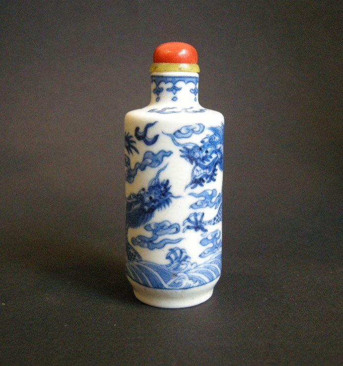 "Snuff bottle porcelain ""soft past"" blue and white painted with dragons"
