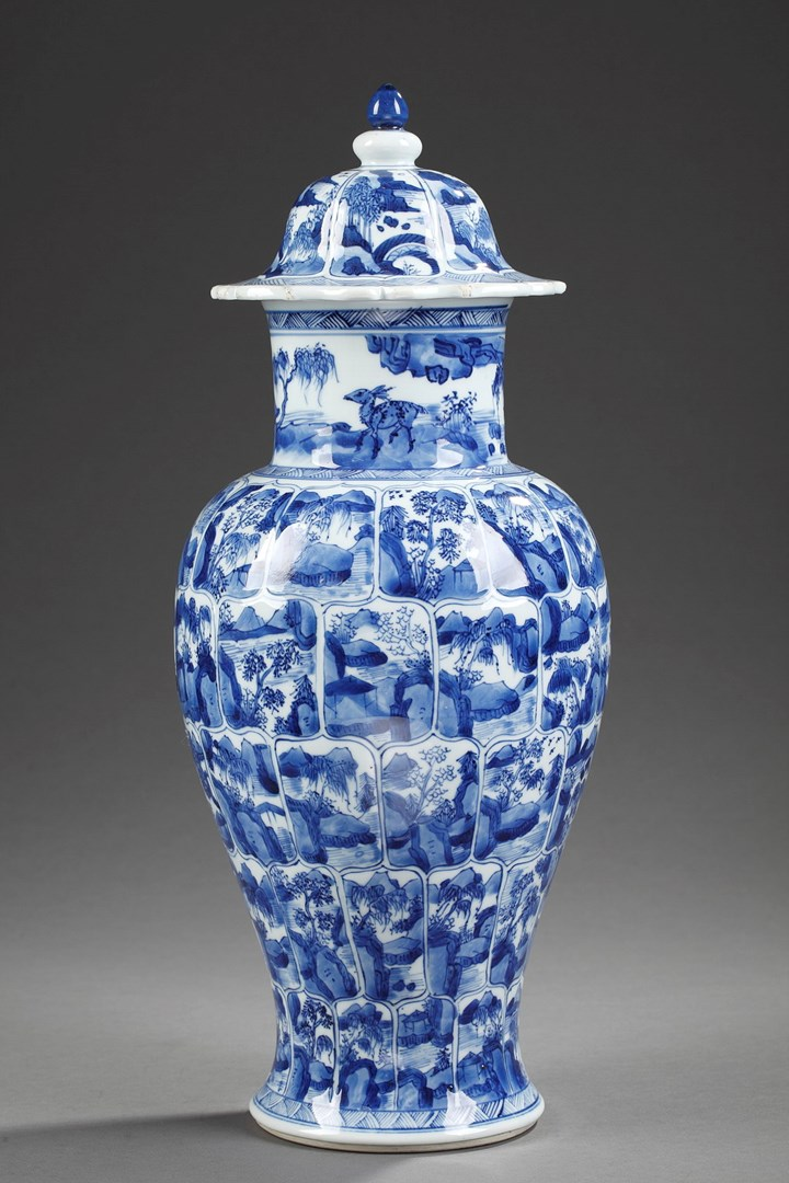 "Vase "" Blue and White"" porcelain  - Kangxi period"