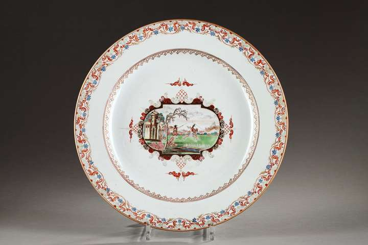 "Large dish in ""famille rose"" porcelain style meissen - Qianlong period"