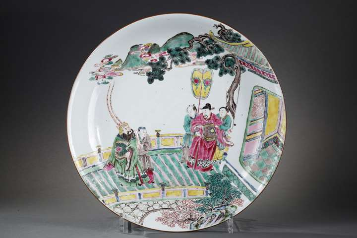 Large dish porcelain Famille Rose with a decor figures and pavillon probably a roman scene