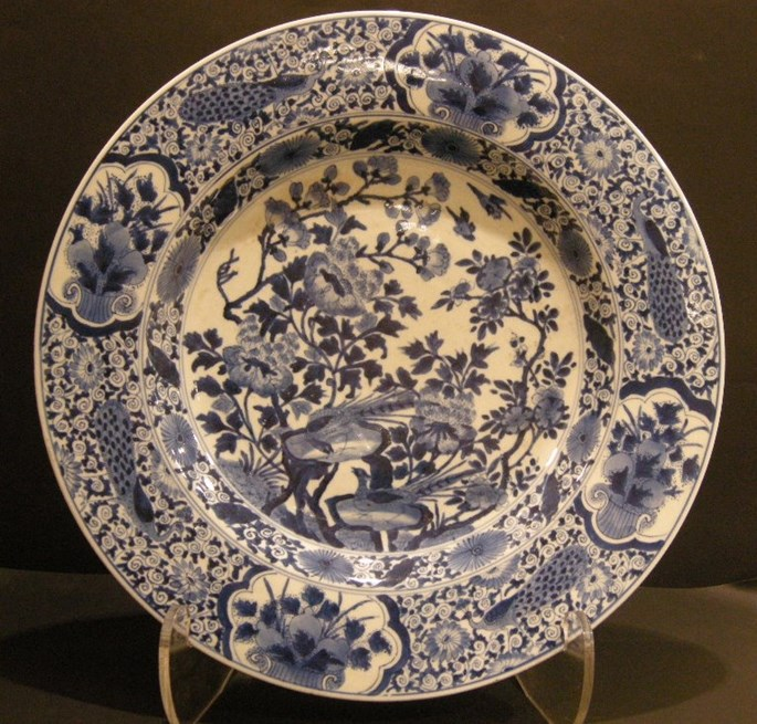 Large dish porcelain blue and white - Kangxi period  1662/1722 | MasterArt