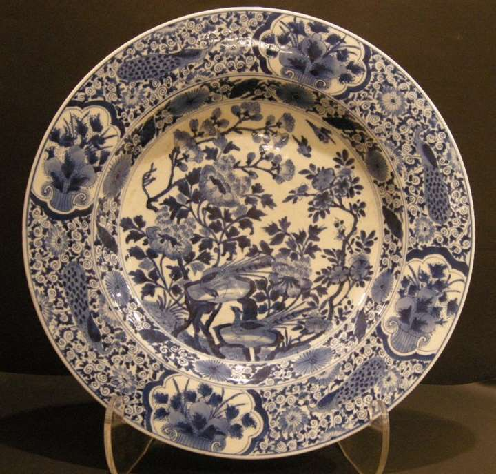 Large dish porcelain blue and white - Kangxi period  1662/1722