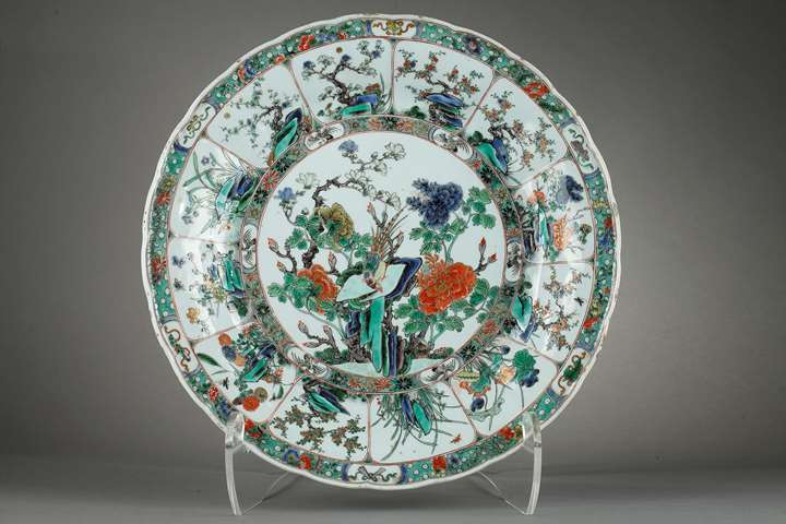 Porcelain famille verte dish very finely decorated with flowers and birds- Kangxi period