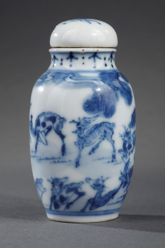 Snuff bottle blue and white porcelain decorated with deers in a landscape | MasterArt