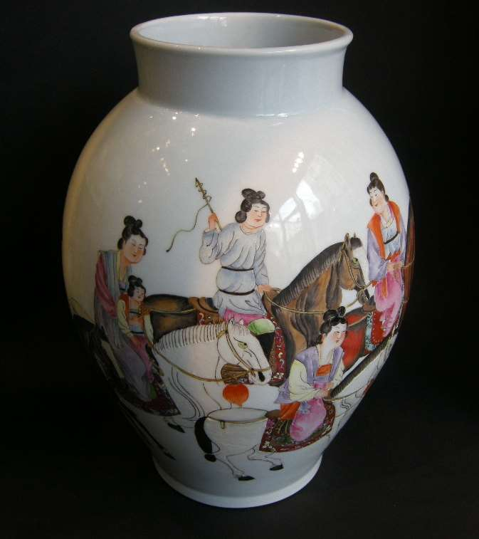 Vase porcelain painted with horses and figures and other face with caligraphy -Republic period