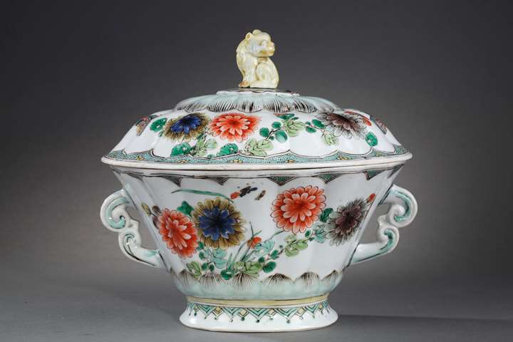 "Very rare tureen model ""Famille verte"" porcelain"