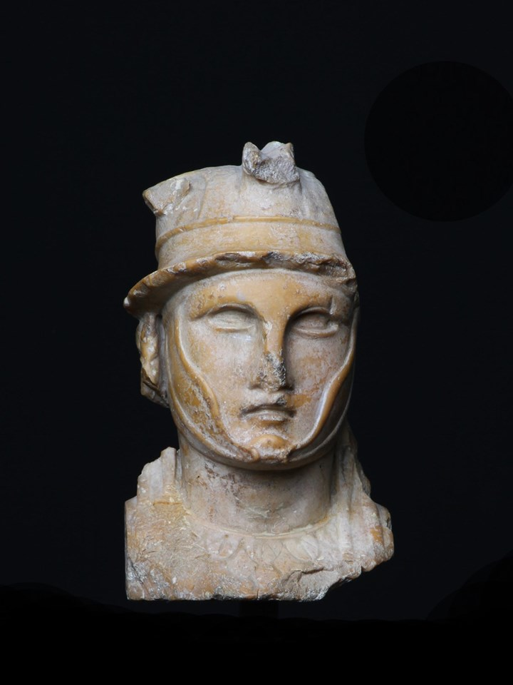 Herm Pilar depicting an Hellenistic Ruler