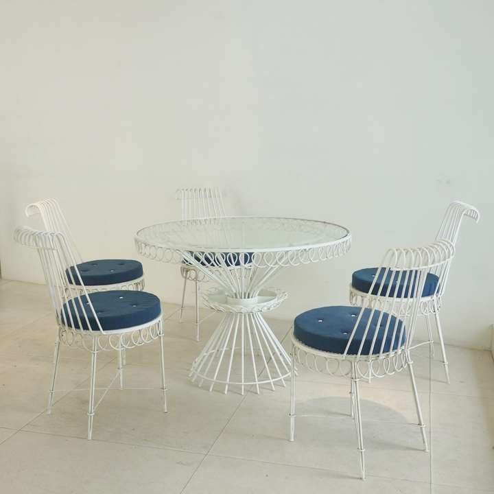 Cap d'Ail model, set of five chairs and a rond table