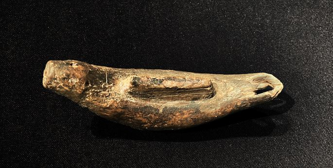 Eskimo mouthpiece for pump or bow-drill carved in the shape of a seal | MasterArt