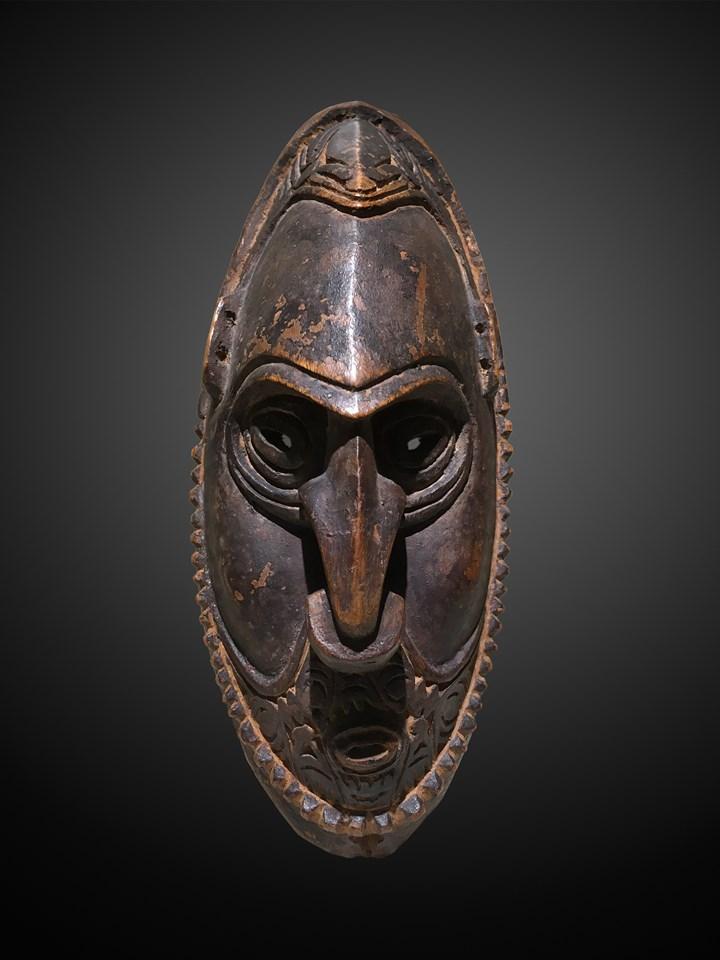 Murik Lakes Amulet Mask