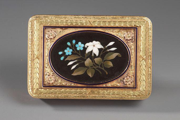 Hanau Gold Snuff Box with Pietra Dura Medallion | MasterArt