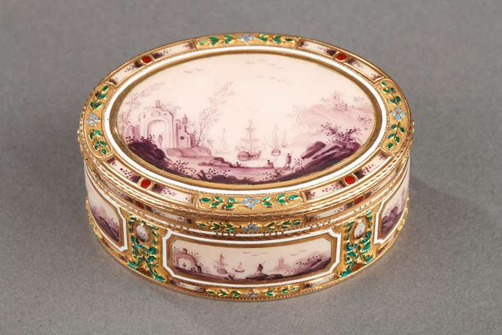 ENAMEL AND GOLD BOX.