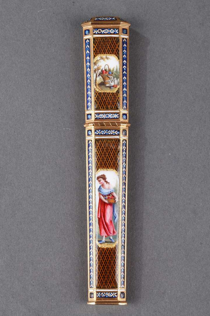 Gold and enamel needle case
