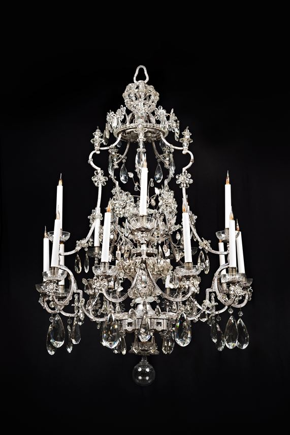 An Impressive fifteen light cut-glass chandelier | MasterArt