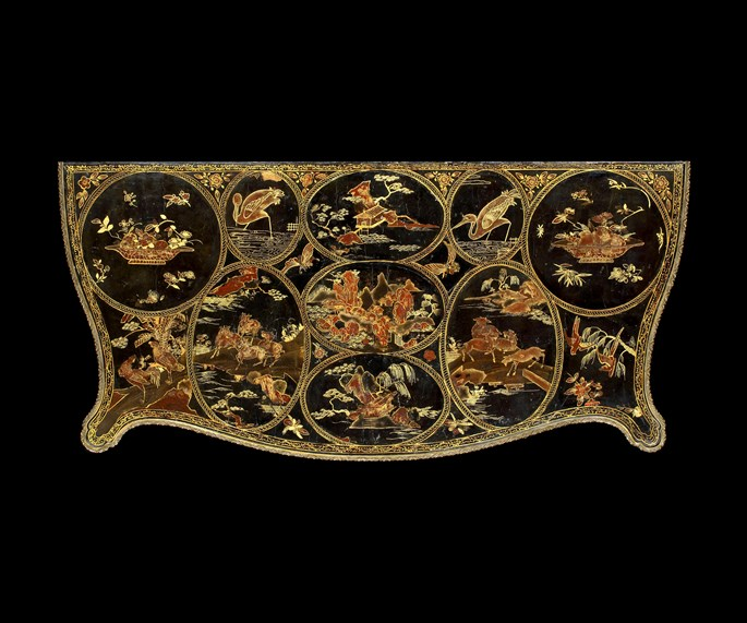 Pierre Langlois - An Exceptional George III Lacquered and Brass-Mounted Black and Gilt Japanned Serpentine Commode | MasterArt